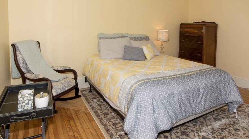 1st floor guest room with queen bed