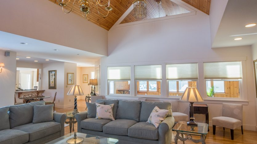 Great room with cathedral ceilings