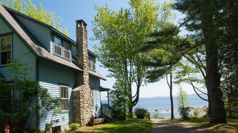 Kelly Cove cottage with amazing views